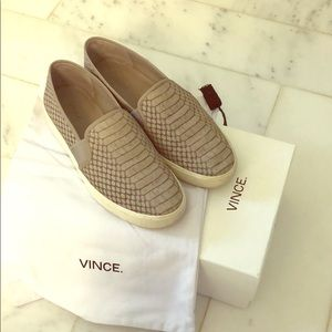 Vince - Blair Loafers in Fossil